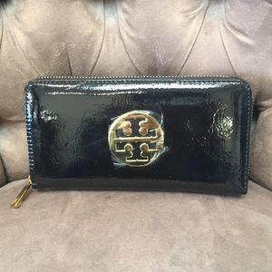 Handbags - NWT Black Patent Gold Emblem Wallet